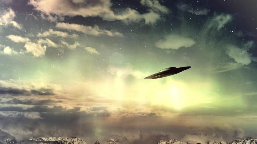 Кадри на НЛО в небето през 2015 г. (видео)