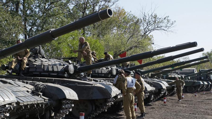 Съгласие да се изтеглят оръжията под 100 мм в Източна Украйна