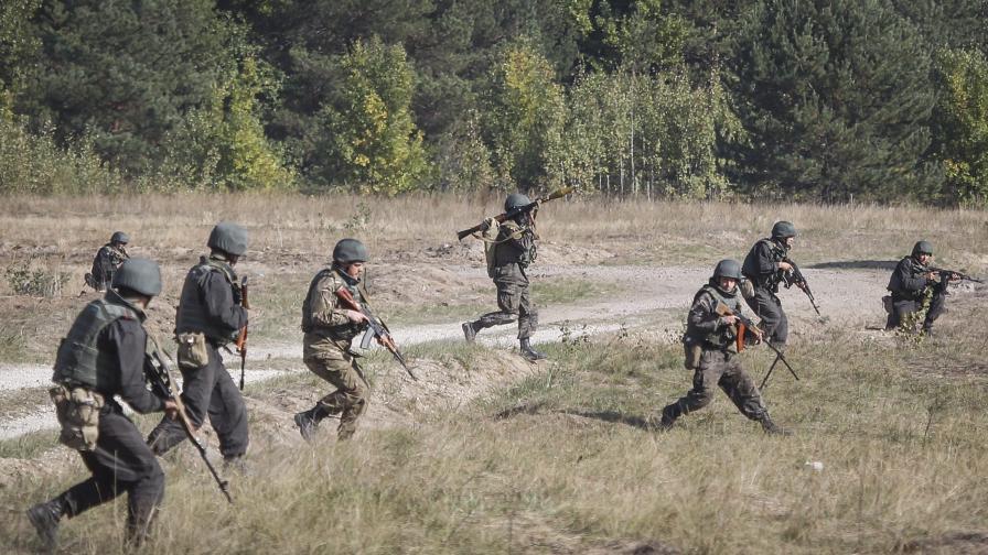 РИА: САЩ въоръжават Украйна през България