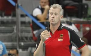 Уникалният треньор на Белгия Хейнен си направи интервю сам