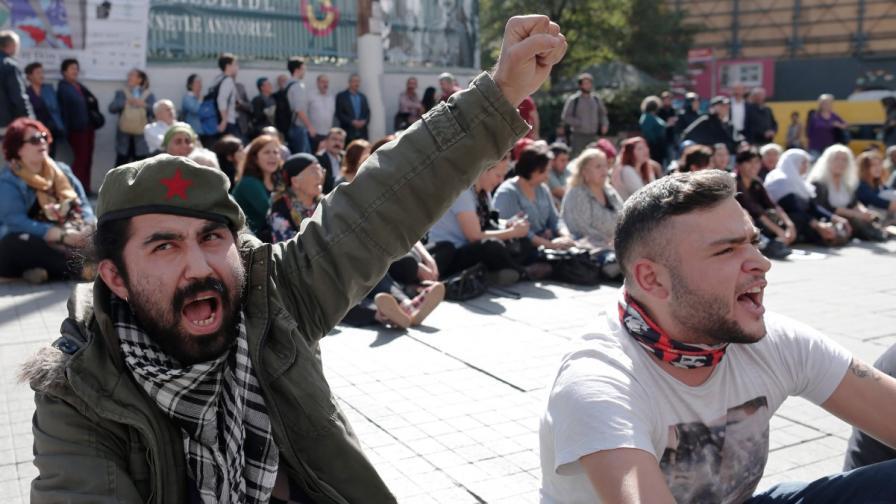 3-дневен траур в Турция, 2000 протестираха в Истанбул