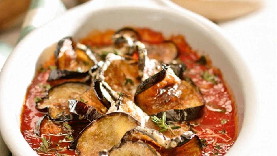 Патладжани в доматен подлучен сос