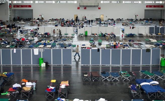Световни медии: Адът на насилието в бежанските лагери в Германия