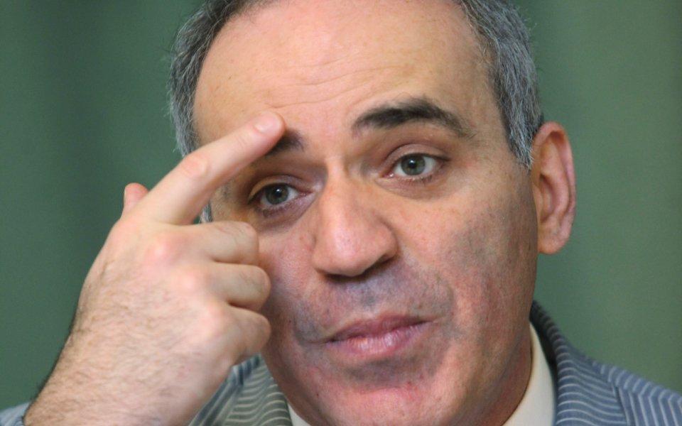 Каспаров съкрати  преднината на Топалов в Сейнт Луис