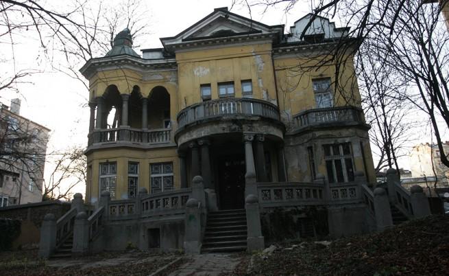 Валентин Златев: Къщата с ягодите има тежки конструктивни проблеми