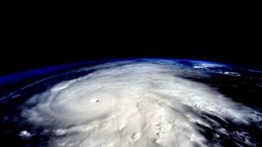Ураганът Патрисия достигна Мексико (видеа)