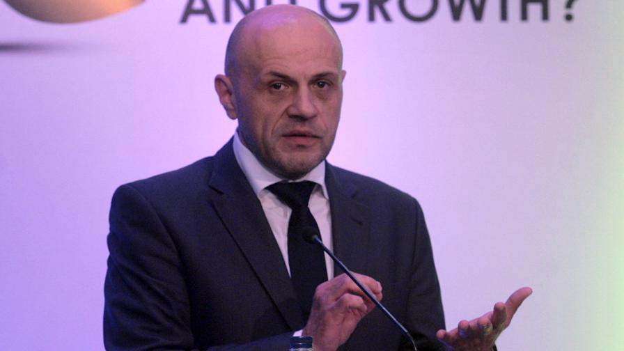 """Томислав Дончев: Изборното законодателство е виновно за хаоса в зала """"Армеец"""""""