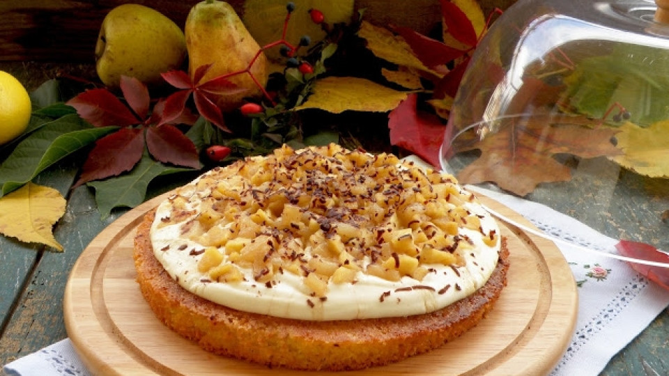 Есенна торта с ябълки и круши
