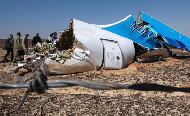 Експерти: Няма следи от взрив по телата от руския самолет