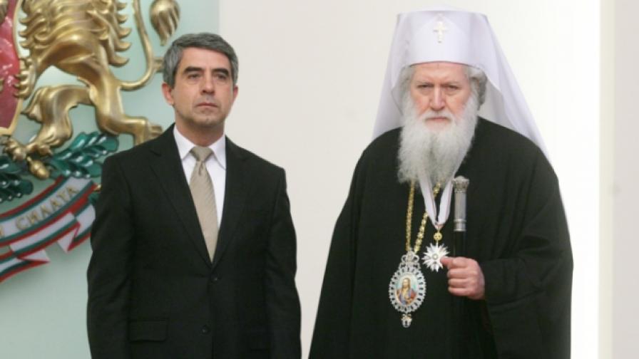 """Росен Плевнелиев връчи орден """"Стара планина"""" на патриарх Неофит"""