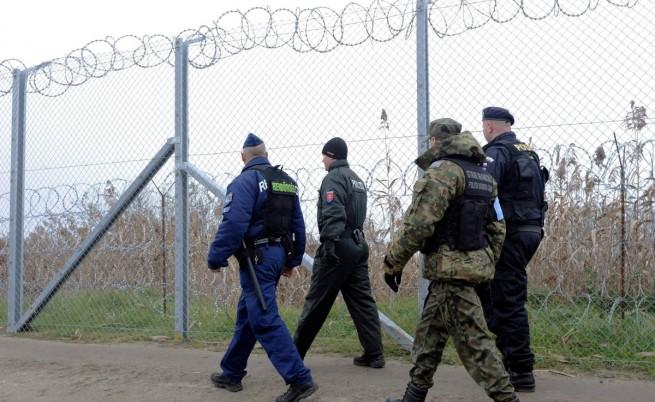 Хърватия алармира: 30 хил. мигранти идват от Гърция