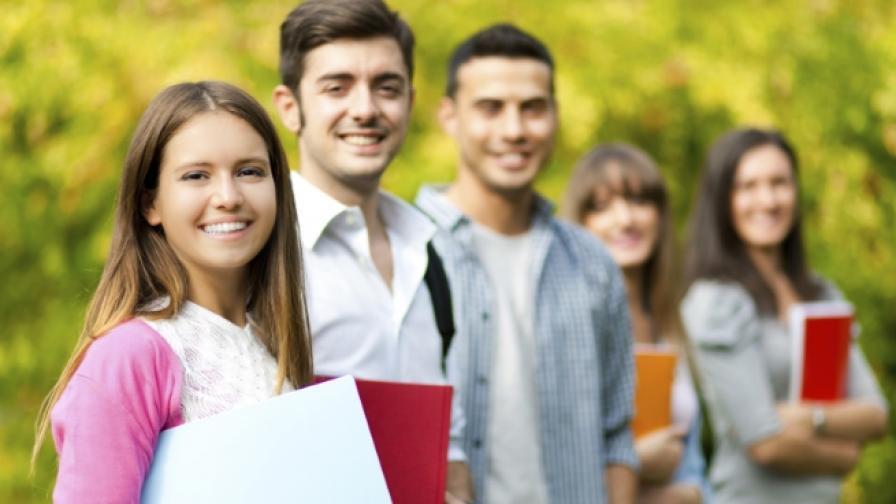"""Готови за успех"" дава стипендии на 94 студенти и 22 ученици"