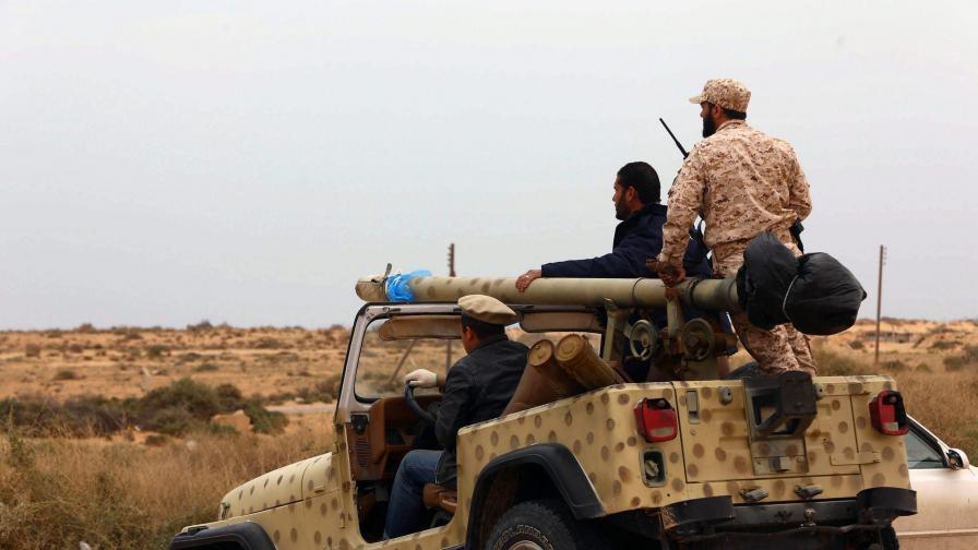 Либийски войници, лоялни на другата страна в конфликта