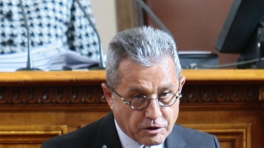 Цонев: Правителството ще падне, ако всички от опозицията гласуват