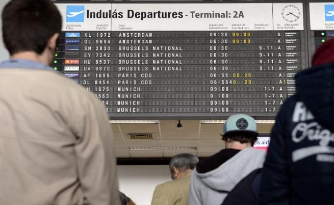 ЕС въвежда единен регистър на пътниците в самолетите до 3 декември