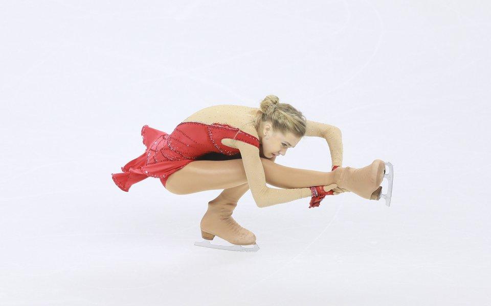 Двукратната европейска вицешампионка във фигурното пързаляне Елена Радионова не спира