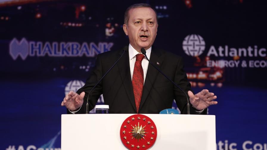 Турция сплаши ЕС, Германия да не говорела за геноцид