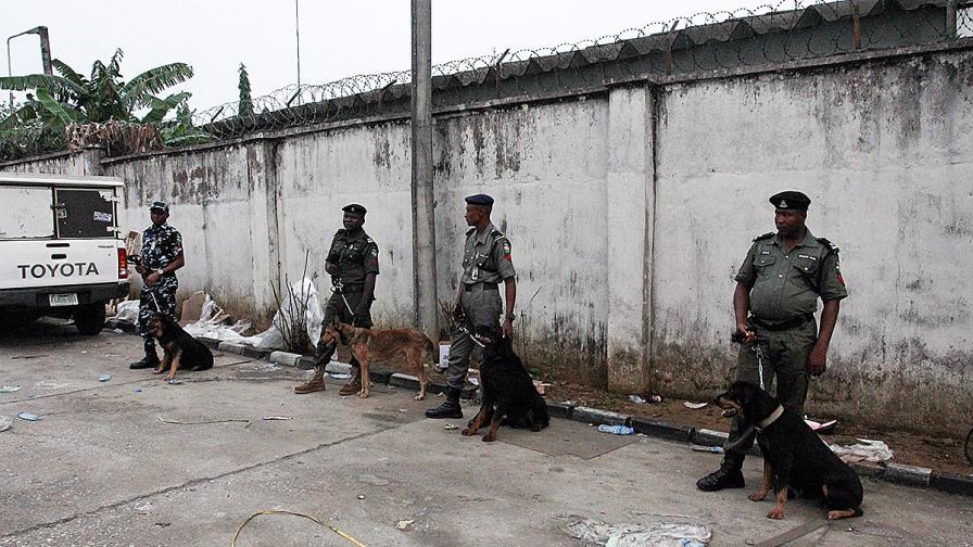 21 загинаха в самоубийствен атентат в Нигерия