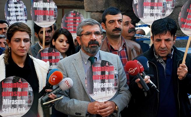 Турция: Убиха виден кюрдски адвокат, докато говори пред медиите