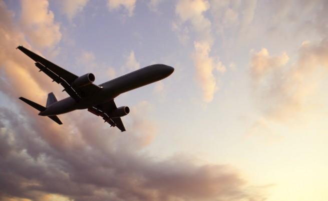Коя е българката, приземила самолет в жестока буря