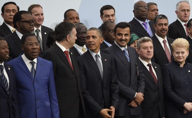 Общата снимка мина без руския президент Путин, тъй като той още не бе пристигнал