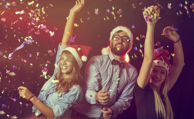 Да се влюбиш на коледното парти в офиса - възможно