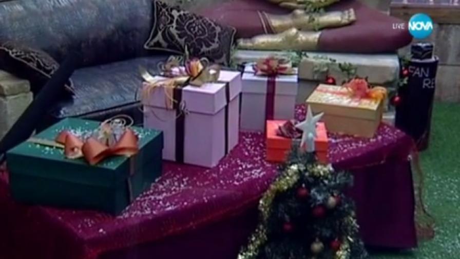 """Мисия """"Коледа"""" и странни подаръци във VIP Brother"""