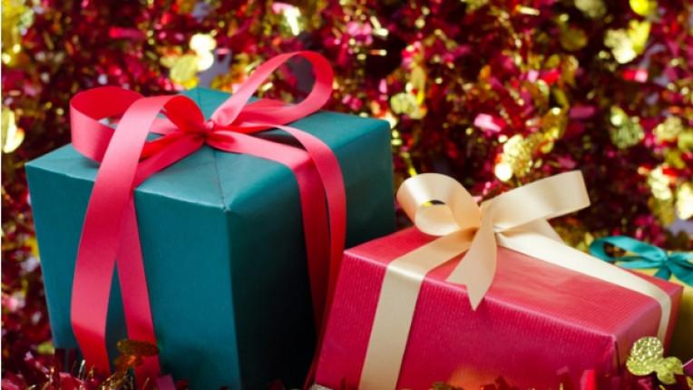 Коледа подаръци подарък