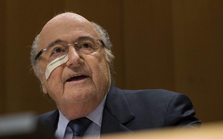 Етичната комисия отново разследва Блатер и Валке за корупция