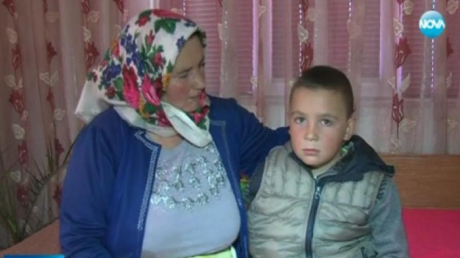 Коледна инициатива помага на деца-сираци в Гърмен