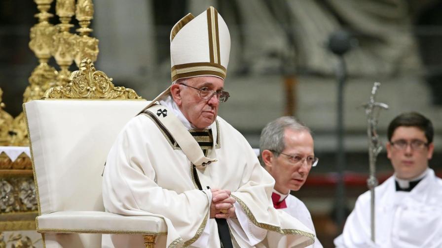 Папата с критики към Вишеградската четворка, църквата се тресе от скандали
