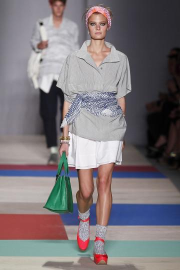 """Представяне на масовата линия """"Marc"""" за сезон пролет/лято 2013 на американския дизайнер Марк Джейкъбс по време на Седмицата на модата в Ню Йорк, 11 септември 2012 г."""