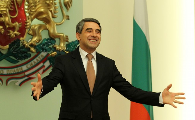 Президентът пожела мир, любов и благоденствие на българите