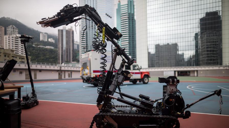 Стреондж: През 2040 г. роботите ще са колкото хората