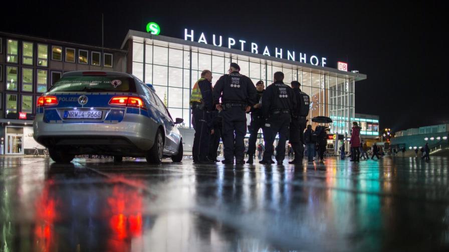 Полиция пред гарата в Кьолн