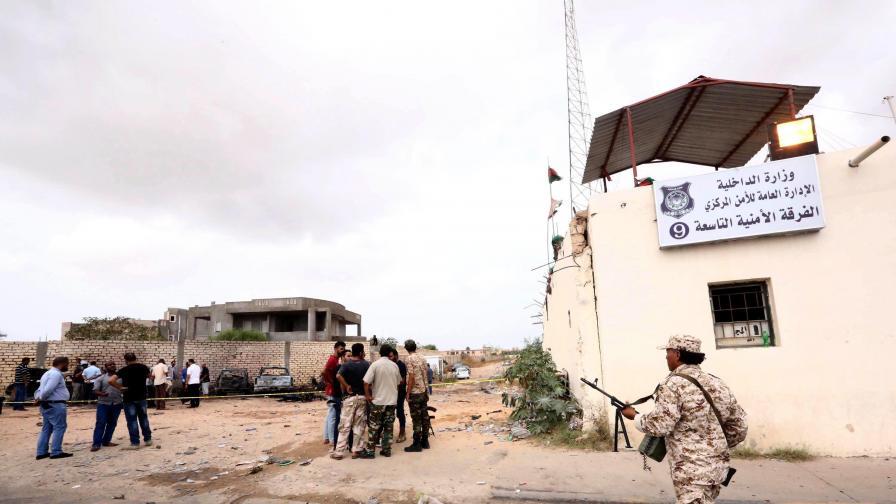 """""""Ислямска държава"""" изби десетки полицаи в Либия"""