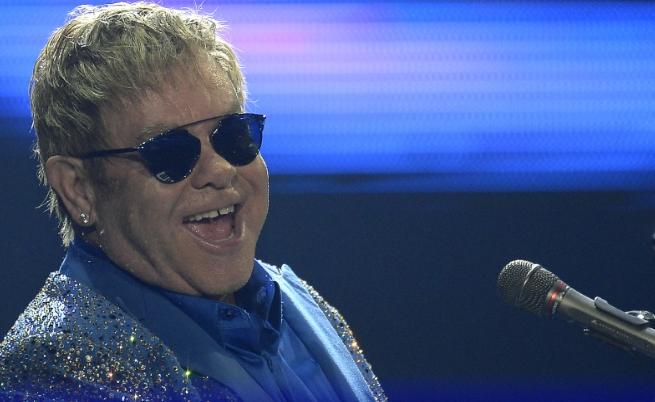 Елтън Джон планира да прекрати концертите си