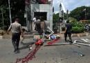 """""""Ислямска държава"""" атакуваха Джакарта, убиха 6 души"""