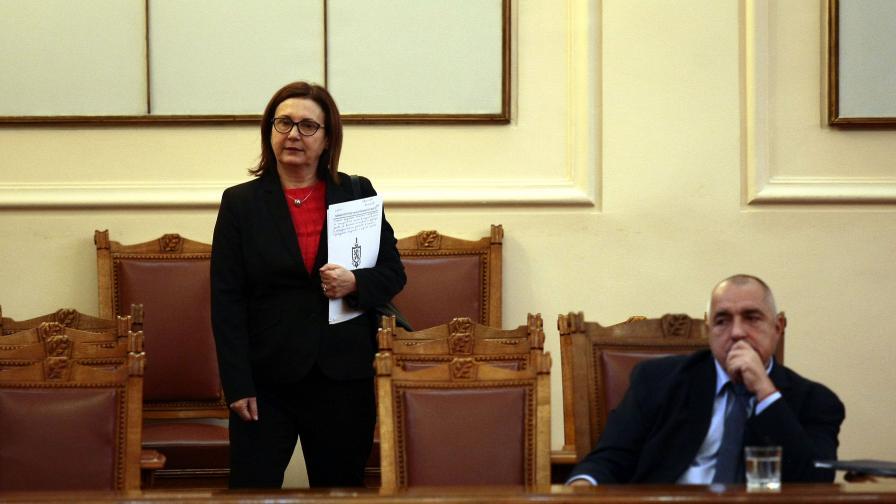 Кампанията срещу МВР помага на престъпниците и терористите, смята Бъчварова