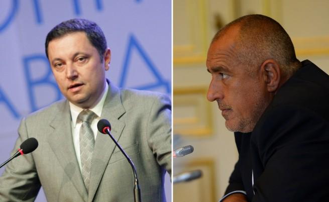 Яне Янев бил пратил SMS-а до Борисов