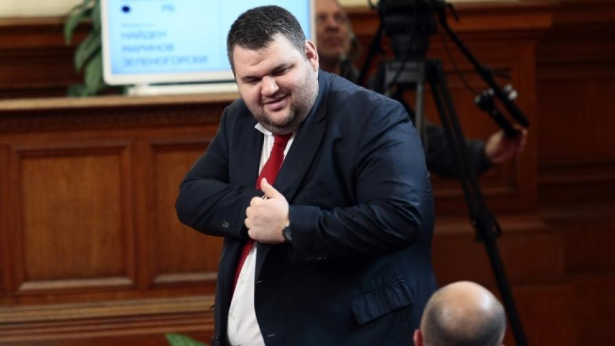 """Пеевски: Излизам от """"Булгартабак"""""""