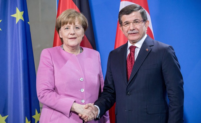 Меркел: Нелегалната миграция трябва да стане легална