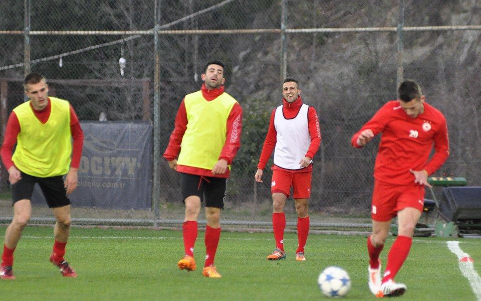 СНИМКИ: ЦСКА тренира за последно в Алания