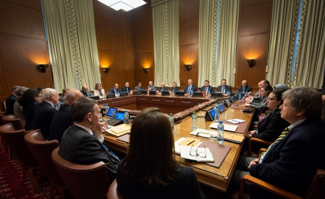 Преговорите за мир в Сирия започнаха без опозицията