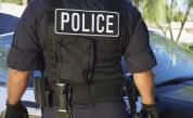 Полицай измамил десетки семейства с хиляди левове