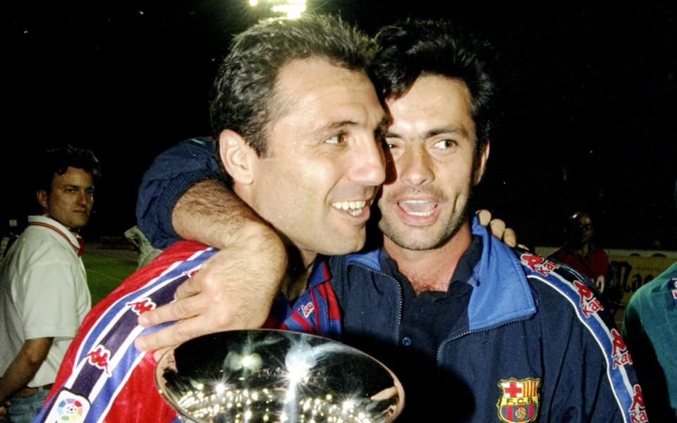 През 1996 година Боби Робсън пристига в Барселона придружен от