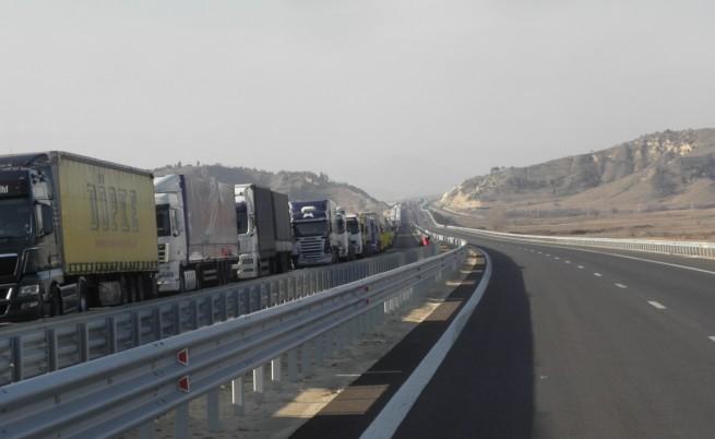 Наши превозвачи очакват решение на кризата на КПП-та