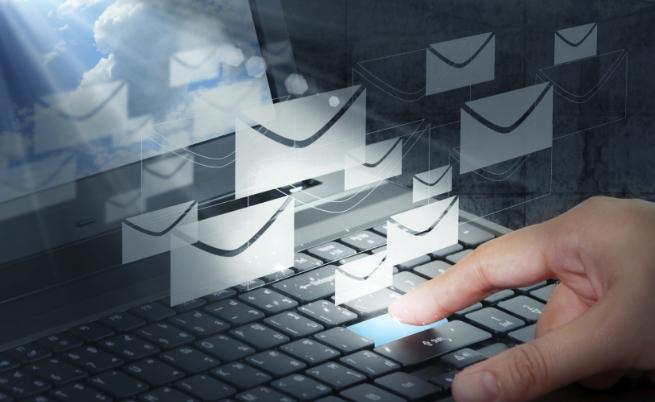 Всеки българин ще има държавен имейл