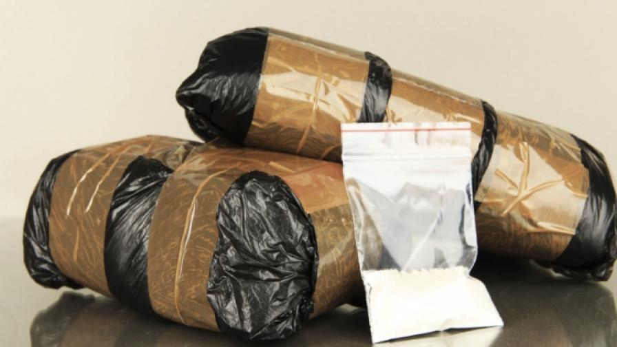 Задържаха българин, пренасял 1,5 кг хероин, на границата
