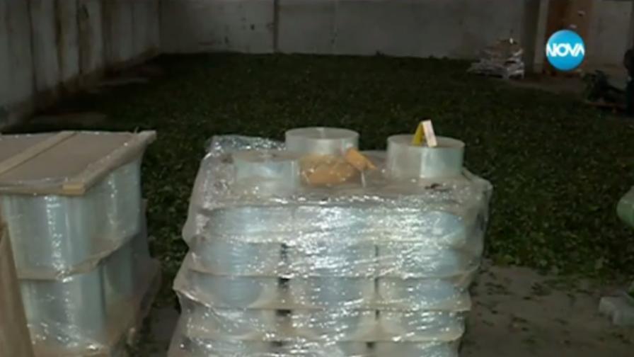 Разбиха нелегална фабрика за цигари с 13 тона тютюн